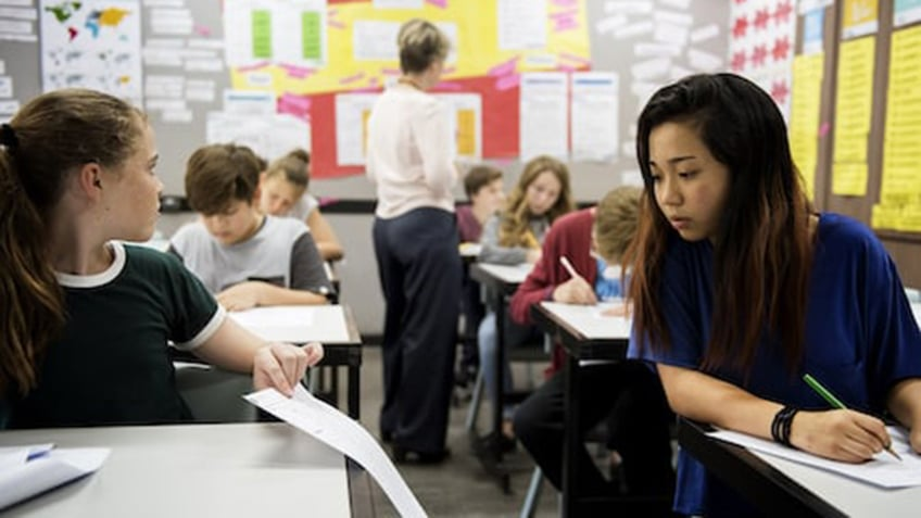 How Teachers Can Detect Plagiarism Using Online Tools
