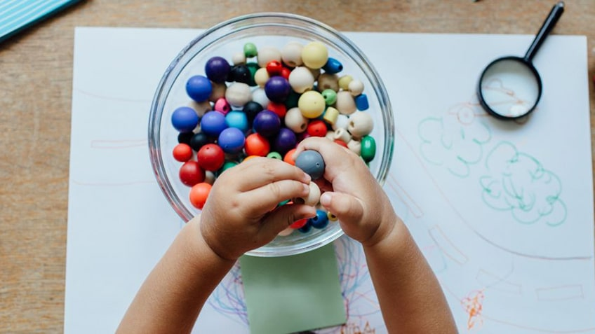 7 Activities to Develop Fine Motor Skills in Toddlers